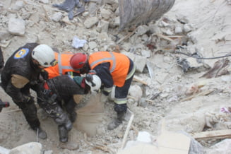 Avioane de lupta au bombardat o moschee din Siria: Cel putin 42 de persoane au murit