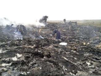 Avion cu 298 de oameni la bord, doborat cu rachete in Ucraina: Rusia si Ucraina isi paseaza reciproc responsabilitatea