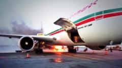 Avion evacuat la Montreal din cauza unui incendiu - mai multi pasageri raniti