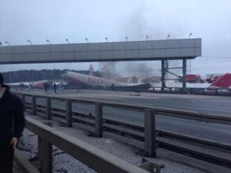 Avion prabusit pe o autostrada, langa Moscova