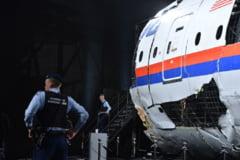 Avionul prabusit in Ucraina a fost doborat cu o racheta provenita din Rusia - comisia internationala de procurori (Video)