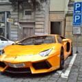 Avocat, la bordul unui Lamborghini, prins cu 164 km/h în localitate. Cum era să scape de amenda ridicolă primită de la poliția rutieră