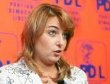 Avocatul Brandusei Novac: Nu e conflict de interese, nu este functionar public