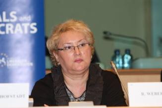 Avocatul Poporului a sesizat CCR pe OUG privind alegerile anticipate