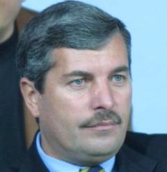 Avram: Turcu e incompatibil cu fotbalul, mai bine ramanea pe santier
