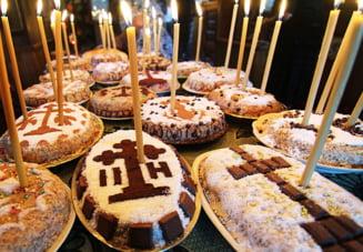 Azi este Sambata mortilor, cunoscuta si drept Mosii de Iarna. Ce traditii trebuie respectate