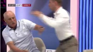 Bătaie crâncenă în direct la TV. După jigniri repetate, doi politicieni au trecut la un schimb fulgerător de pumni VIDEO