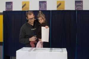BEC: Se renumara voturile in trei sectii din Capitala