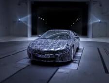 BMW prezinta primele imagini cu noul i8 roadster - va consuma doar 2 litri la suta de kilometri (Video)