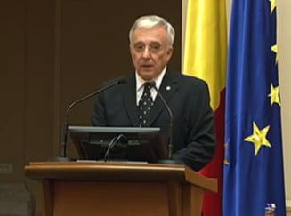 BNR, reactie la criza din Grecia: Primele declaratii ale lui Mugur Isarescu despre bancile din Romania (Video)
