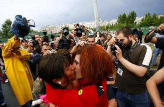 BOR critica marsurile gay si anti-gay din Capitala
