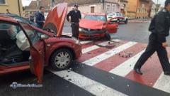 BRASOV. Trei autoturisme au intrat in coliziune, intr-o intersectie din Codlea