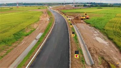 """Bacaul devine primul oras din Romania inconjurat integral de autostrada-centura. """"Circulatia poate fi deschisa fara probleme in urmatoarele doua saptamani"""" VIDEO"""