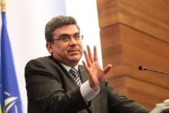 Baconschi, despre Prigoana: Marele candidat echipat cu plici