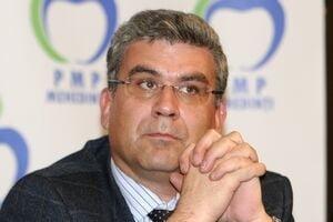 "Baconschi a demisionat din PMP. Papahagi ""mai rabda"": Udrea a scapat ""de un odios intelectual"""