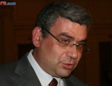 Baconschi explica banii pentru lista PMP: Li s-au cerut candidatilor sponsorizari legale, nu sa vina cu geanta