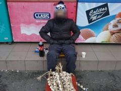 Baiat de 13 ani preluat de Protectia Copilului dupa ce o persoana a scris pe Facebook ca acesta vinde usturoi pe strada pentru a-si cumpara mancare