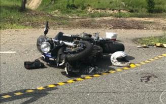 Baiatul de 16 ani accidentat pe Drumul European 574 a murit la spital. Tatal sau il insotea in cursa cu motocicletele