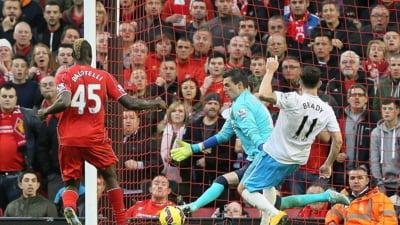 Balotelli le da dureri de cap celor de la Liverpool