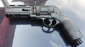 Balsean arestat dupa ce a tras cu un pistol neletal in trei barbati din Bobicesti