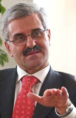 Banca centrala a Macedoniei anticipeaza o comprimare a economiei
