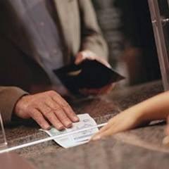 Banci vs. clienti: Numarul grupurilor de initiativa, in crestere