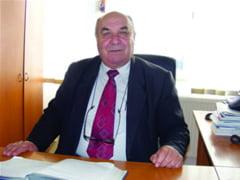 Bani de la Guvern pentru refacerea drumurilor din Roesti