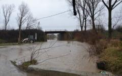 Bani de la Guvern pentru trei localitati din Olt afectate de calamitatile naturale
