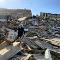 Barbat de 70 de ani, salvat dupa 33 de ore de sub daramaturile unei cladiri prabusite la cutremurul de vineri in Turcia