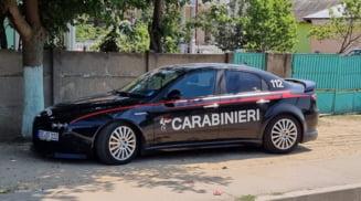 Barbat din Draganesti Olt, dosar penal dupa ce si-a inscriptionat masina cu siglele carabinierilor din Italia