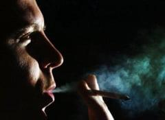 Barbatii care fumeaza, mai predispusi dementei