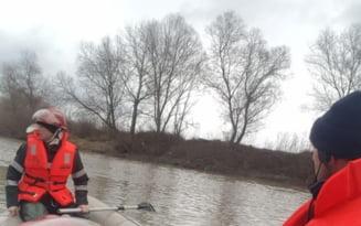 Barbatul inecat in zona barajului Dridu a fost gasit. Trupul neinsufletit a fost scos la mal de pompieri
