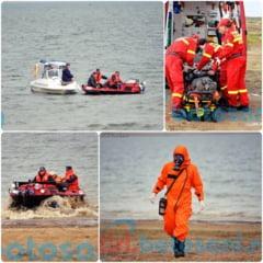 Barca cu substante toxice pe lacul de acumulare de la Stanca-Costesti! Doua persoane ranite au fost preluate de echipajul SMURD!