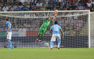 Barcelona, invinsa de Napoli dupa o mare gafa a portarului (Video)