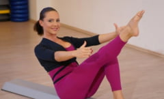 Barefoot training: Cori Gramescu iti propune antrenamentele Ultimate Pilates