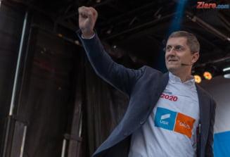 Barna: USR il va propune pe Dacian Ciolos pentru functia de prim-ministru