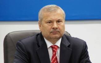 Baronul Bunea Stancu, fost presedinte al CJ Braila, achitat intr-un dosar de coruptie. Hotararea nu este definitiva