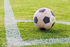 Basca pe cap si fotbalul