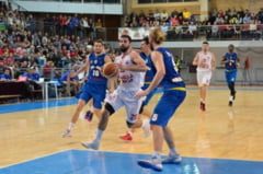 Baschetbalistii de la CSM CSU Oradea au invins si CSU Atlassib Sibiu, cu 91-77, si au incheiat, in premiera, fruntasi in prima faza a campionatului! (FOTO/VIDEO)