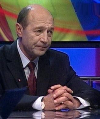 """Basescu: """"Imi reprosez o oarecare lipsa de tact in relatia cu Guvernul Tariceanu"""""""