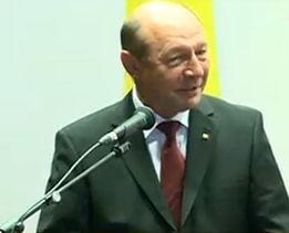 Basescu: Am cedat in fata inteligentei celor ce pledau pentru comisia de analiza a comunismului
