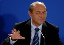 Basescu: Analizez posibilitatea sa nu mai candidez la presedintie