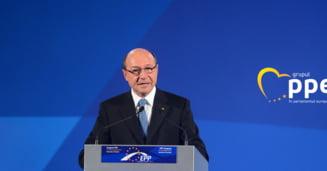 Basescu: Arafat este foarte bun pentru achizitii de salvari vopsite in rosu. Pentru actiune in situatie de criza, ISU are nevoie de un cap limpede