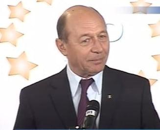 Basescu: Candidatii la alegeri ar trebui sa primeasca bani de la bugetul de stat