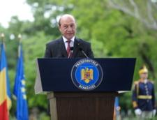 Basescu: Ce facem cu un avion comercial, cu o persoana interzisa in UE? Il doboram sau ce?
