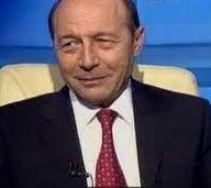 Basescu: Copilotului Ponta nu-i da nimeni volanul in mana, cum sa-i dai tara!?