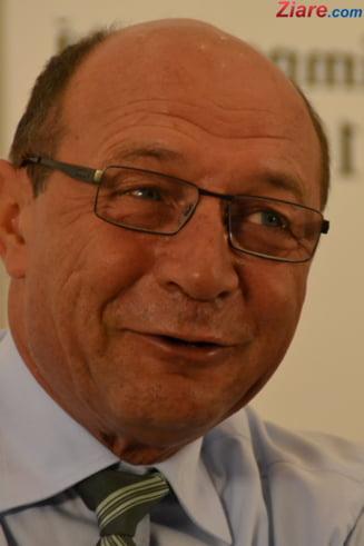 Basescu: Daca Ponta ma felicita pe cresterea economica, il felicit si eu. Toate-s ramase de la Boc