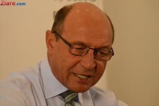 Basescu: Demisia lui Ponta a fost artificiala, Dragnea il tot impingea la vale