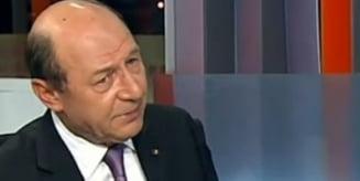Basescu: Elena Udrea, singurul politician care munceste si creste in sondaje