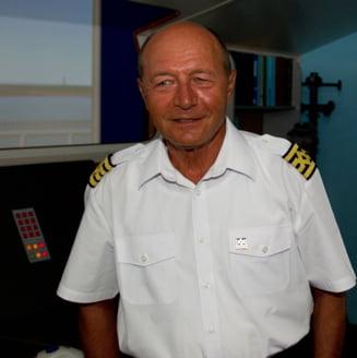Basescu: Eu si Udrea suntem doua tinte in miscare pentru Romania Tv si Antena 3